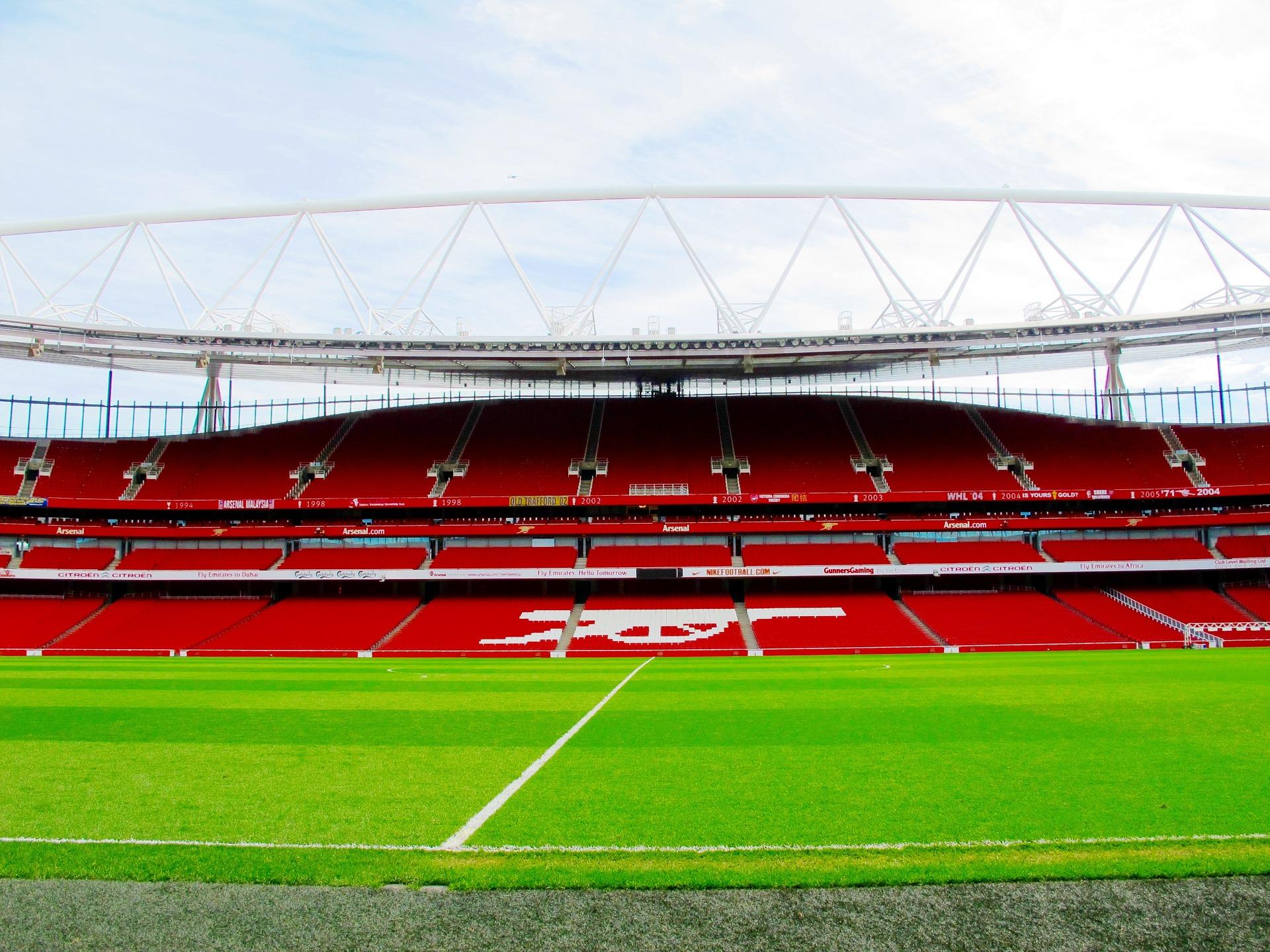 emirates-stadium-1416679_1920
